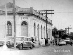 BORGES-DO-CANTO-ESQ-INDEP-2-marco-aurelio-Nos-anos-60-antes-do-cimento-a-Independencia-tinha-mão-do-Porto-ao-Quartel-inv-a-1