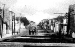 QUINZE-DE-NOV-ESQ-JOAO-GOULART-1c-Rua-15-de-Novembro-a-itaqui.net-COR3b-pb